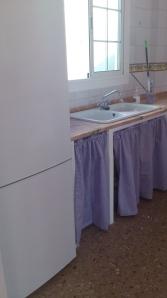 cocina-terminada-con-cortinas1 Hace un año decidí arreglar el ático, para hacer lo que realmente me gusta, crear!