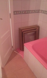 cropped-marcos-bac3b1o Microcemento rosa para el baño.