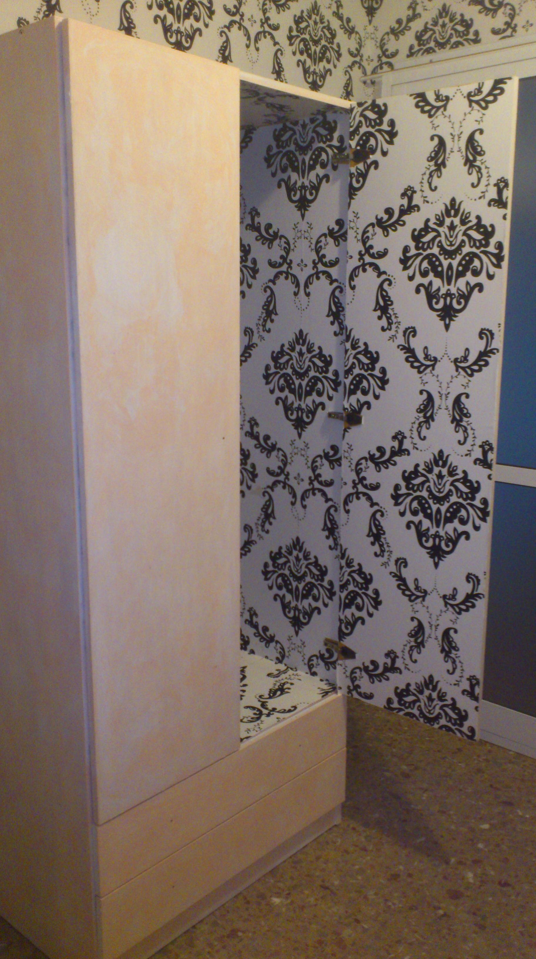 Trastero de azulejos empapelado decorando con poco dinero - Tirar paredes en un piso ...