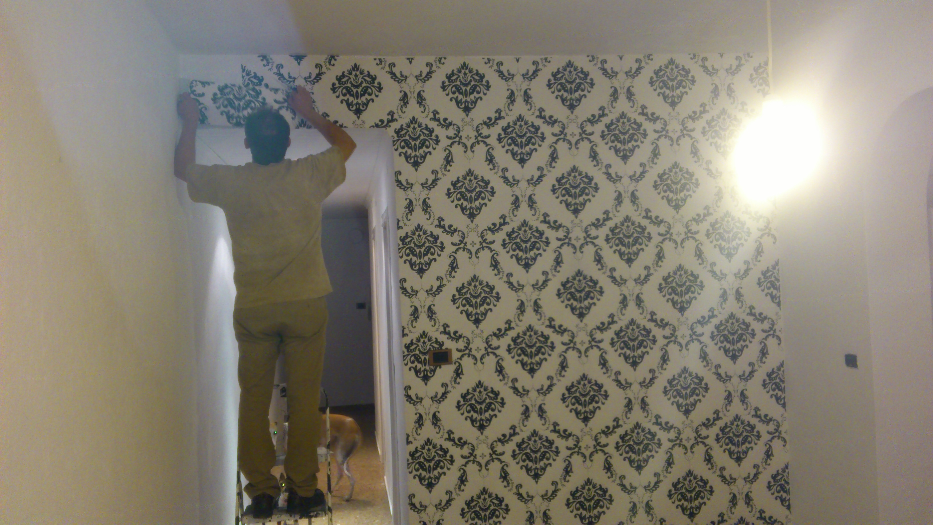 Trastero de azulejos empapelado decorando con poco dinero - Empapelar sobre azulejos ...