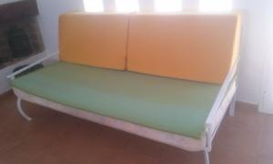 sofa-desnudo-atico Colchón de 90x190 convertido en sofa.