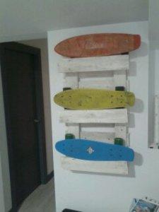 1412259239785 Estantería reciclada para skates