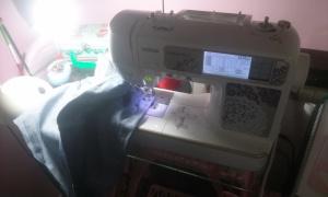 maquina-de-coser-1 Reciclando camales de vaqueros